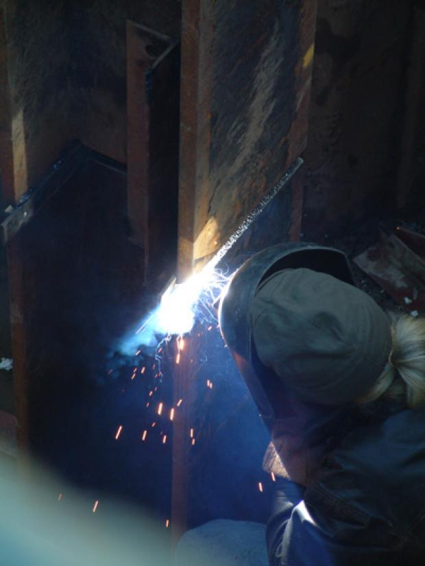 Joining steel pile sections