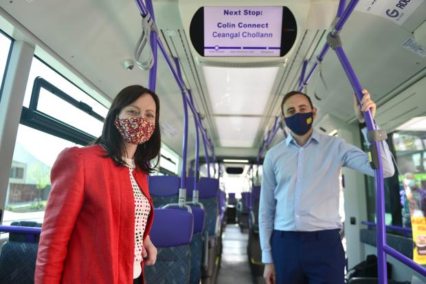 Launch of Bi-lingual signage on Glider route