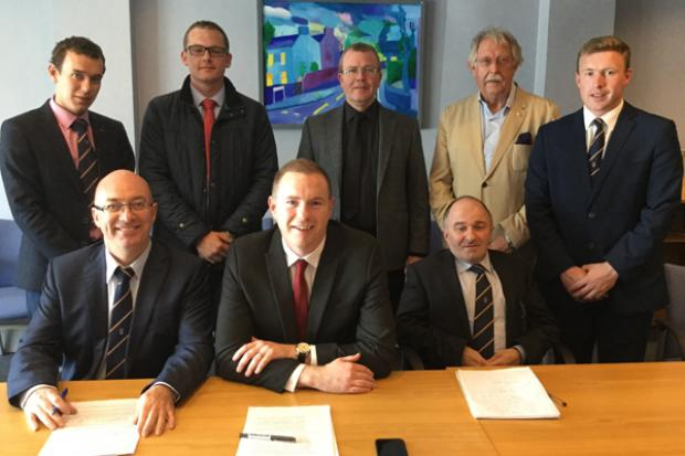 Back from L-R: Councillors Mark Buchanan, David Mahon, Shaeamus Greene, John Coyle, Thomas O'Reilly, Minister Hazzard and Victor Warrington
